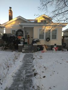 Photo for Arts & Crafts Cottage Style Home, 3br 1-1/2 bth 2 car garage 7 minutes downtown