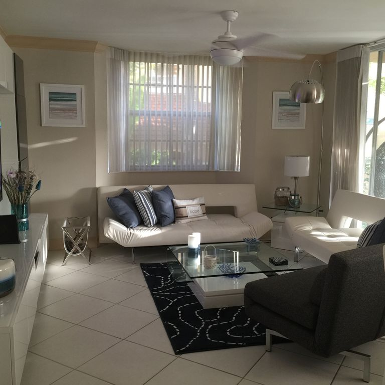 LUXURY NEWLY RENOVATED 3BED 2BA  AT THE YATCH CLUB AVENTURA