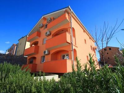 Photo for p Above the city center is this apartment with private parking....