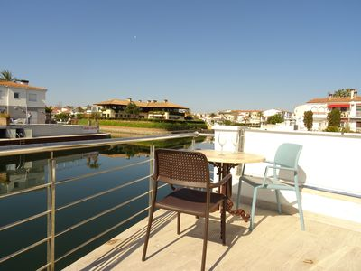 Photo for Relaxing house overlooking the canal and pool
