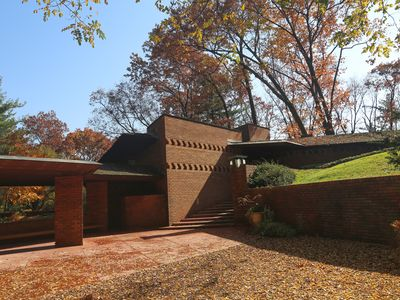 Photo for Original Frank Lloyd Wright Secluded Home with Tea House