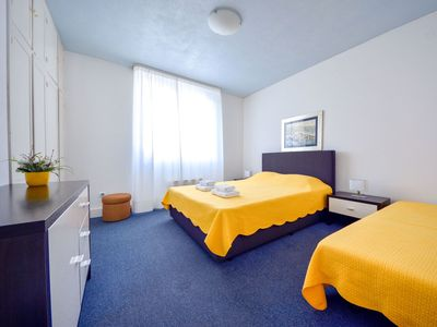 Photo for Cosy apartment for 5 guests with A/C, WIFI, TV and parking