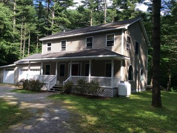 Family friendly home nestled in the pines.  Close to Middlebury College.