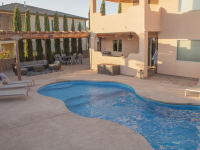 Best parking in Page with a pool. 4 bed 3 bath, sleeps 14.