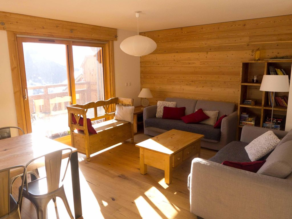 Grand appartement neuf dans chalet, terrasse Sud, 6/8 pers