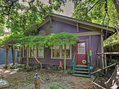 Photo for Cozy Houston Home w/Yard Near Downtown Attractions
