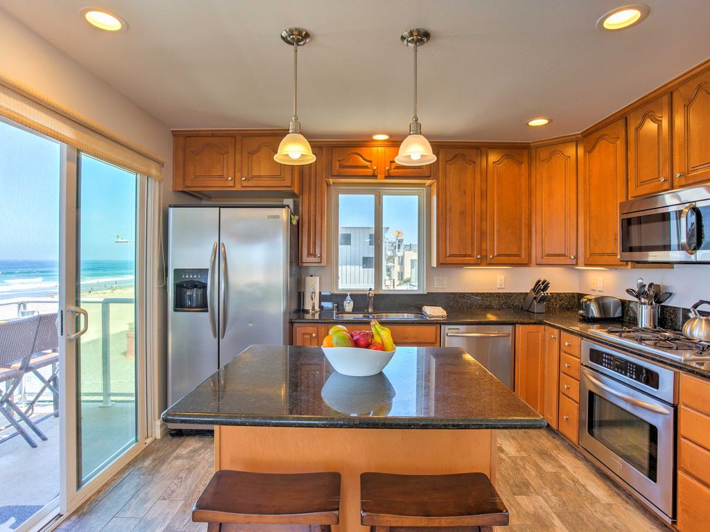 Cooking Will Be A Breeze In This Fully Equipped Kitchen With Stainless Steel  Appliances, Breakfast