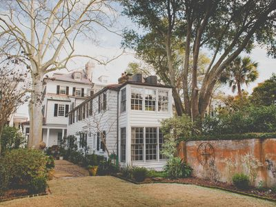 Photo for 1BR Apartment Vacation Rental in Charleston, South Carolina