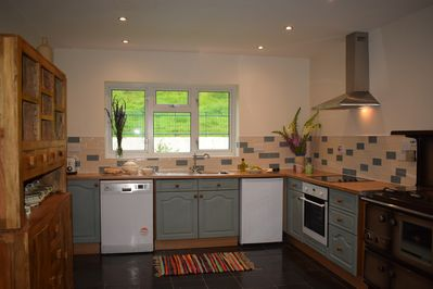 Large well equipped kitchen (with smaller additional kitchen utility as well)