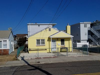 Photo for GREAT LOCATION Single family home half block from beach 311 E. TOLEDO AVE.