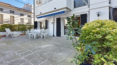 Photo for 4 bedroom Apartment, sleeps 8 with Air Con, WiFi and Walk to Beach & Shops
