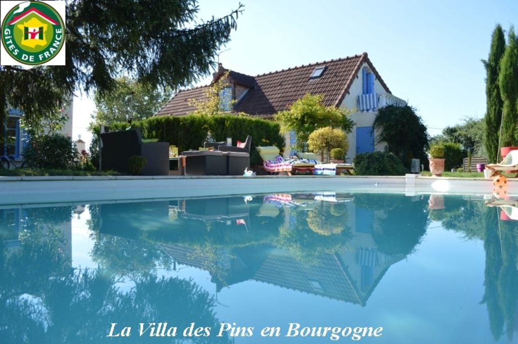 Nice Holiday Home With Pool In The South Of Burgundy Morvan