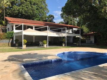 Farm for rent and events of up to 80 people, swimming pool and soccer field.