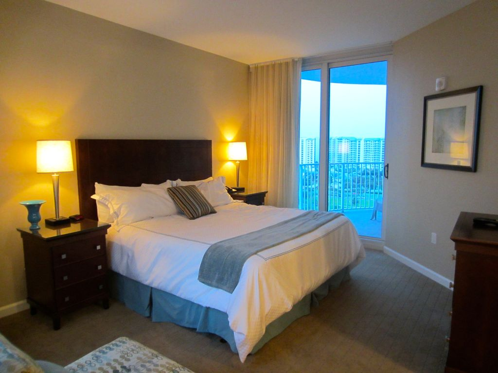 palms of destin condo large two king bedrooms penthouse corner suite