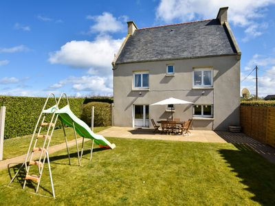 Photo for Atmospheric Breton house with garden, at walking distance from the beach.