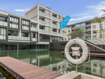 Photo for Viaduct Harbour Water View Apartment
