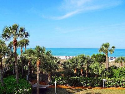 2-207 is a 2 BR / 2 BA island getaway on Longboat Key with a beautiful beach and pool area
