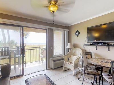 Photo for Oceanfront condo with a shared swimming pool, near Coligny Plaza!