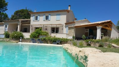 Photo for Large villa with pool at the foot of the Luberon