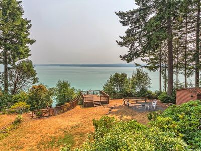 Photo for Relaxing Waterfront Spa House on Hood Canal and near Olympic National Forest