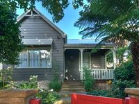 Beautifully presented cottage in perfect location