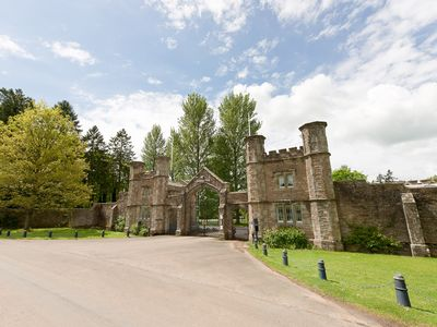 Photo for GATEHOUSE EVE LODGE IN A STUNNING SETTING