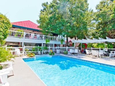 Cottage Apartment in Updated 1940's Cottage - with Shared Pool and only 1.5 Blocks to Beach