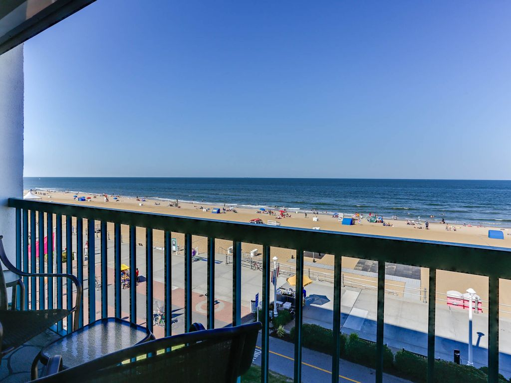 Oceanfront 2 Bedroom 2 5 Bath Condo Overlooking The Boardwalk Virginia Beach Virginia