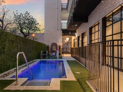 Photo for Hip Spot on East 6th Street. Perfect for Group Travel! Downtown Views + Pool