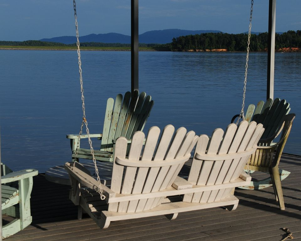 Lake james waterfront house with private dock enjoy fall for Lake james nc fishing