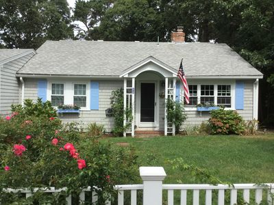 Photo for Enjoy your cape vacation at this adorable cottage in West Harwich