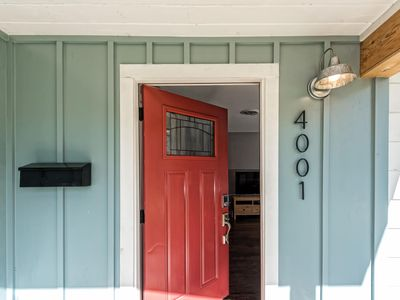 Photo for Charming Country Cottage ~ Near Magnolia & Baylor
