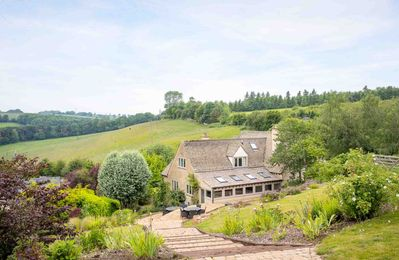 Photo for 5BR House Vacation Rental in Naunton, England