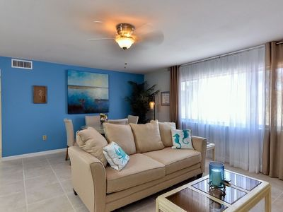 Photo for Beautifully decorated condo on Venice Island
