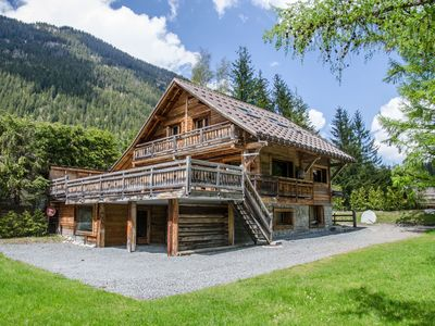 Photo for Remarkable wooden chalet with luxurious services