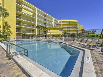 Photo for 1BR Marco Island Condo w/ Patio - Walk to Beach!