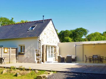 Breton house: the quiet of the countryside less than 1 km from the beach of Morgat