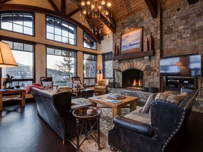 Photo for Luxury Home on Golf Course, Close to Core, Private Hot Tub: Tomboy Retreat