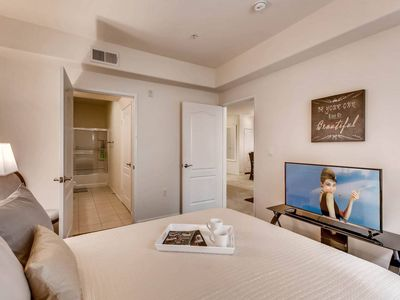 Photo for A+ Downtown 2BR/2BATH POOL/GYM + PARKING! ❤️