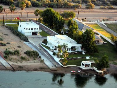 Photo for River Front guest house with Ramp, Beach, Volleyball, and Gazebo on the Water