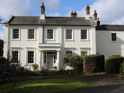 Photo for A private and comfortable apartment in an idyllic location in the Surrey Hills