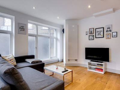 Photo for Bright 1bed sleeps 4 on Old Street 10 mins to tube