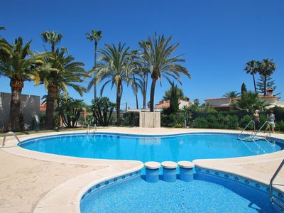 Photo for Holiday home in quiet area with community pool