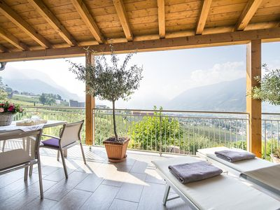 Photo for Lichtdurchflutete modern panoramic apartments with terrace and mountain views