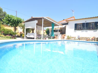 Photo for House with private pool to 500 metres from the beach.
