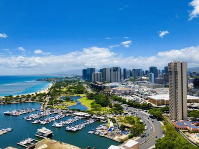 Photo for 38th Floor Expansive Ocean And City Views in Waikiki/Honolulu