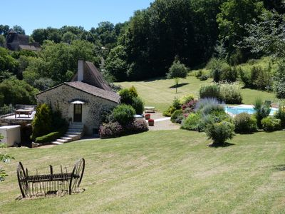 Photo for House with swimming pool on the border of Périgord Noir - Léobard. Cul de sac.