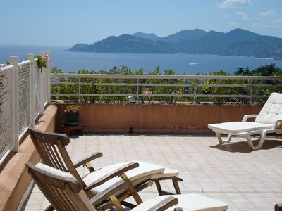Photo for Fantastic Apartment in Cannes with gorgeous sea view, 50 m2 terrasse and pool