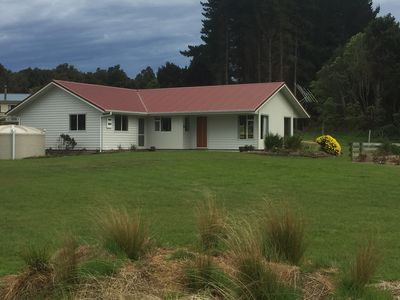 Photo for Waikawa House, lovely modern home in quiet setting
