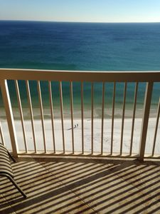 Directly Gulf Front!  View the beautiful white Destin beach from the 18th floor.